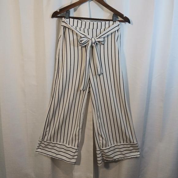 Vibe Pants - Wide leg capri. White with black stripes.  Large